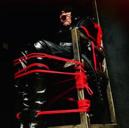 leatherhood_bound_in_chair